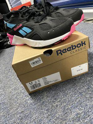 Reebok Size 5.5 for Sale in Philadelphia, PA
