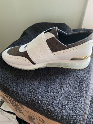 Michael Kors Trainer size 9 men for Sale in Pittsburgh, PA