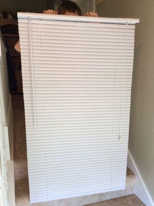"White Vinyl Mini Blind 30"" wide by 50"" long for Sale in Naples, FL"