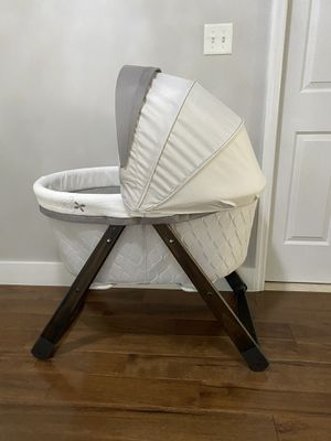 Bassinet for Sale in Manchester Township, NJ