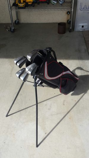 Spalding Executive golf clubs iron set (pw - 3) for Sale in Moreno Valley, CA