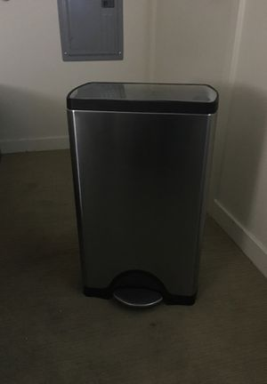 "SimpleHuman 30L Kitchen trashcan w/ Stainless Lid (""J"" Type liners) for Sale in Bellevue, WA"