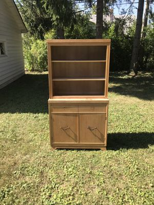 Vintage Cabinet for Sale in Maple Heights, OH