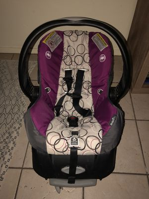 Evenflo infant car seat for Sale in Austin, TX