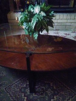 "Coffee Table-glass Top-measures: 4'4""long -2'8""wide... for Sale in Orem,  UT"
