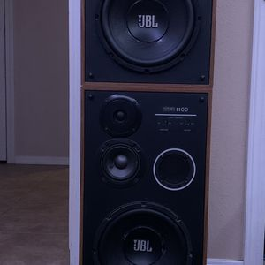 Receiver and Speakers for Sale in Tulare, CA