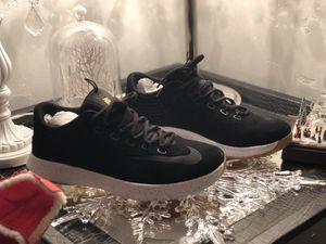 Nike Lunarlon size 10.5 for Sale in Dallas, TX