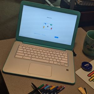 """13"""" HP Chromebook OS Laptop For Sale. Lovely For Beginners & Young Children For A Begi for Sale in Plymouth, MI"""