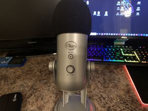 BLUE YETI MICROPHONE: 105$!! for Sale in Tallahassee, FL