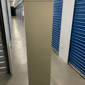 Metal Storage Cabinet for Sale in Los Angeles, CA