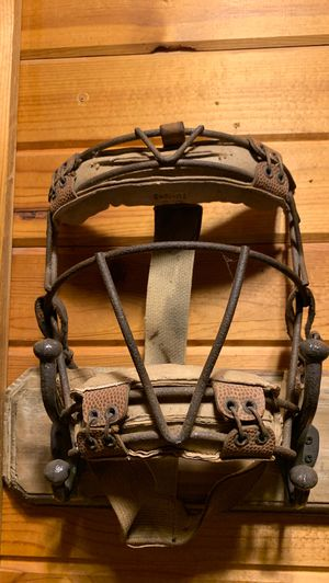 1945 Goldsmith catchers/umpires mask for Sale in Hampton, IL
