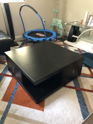 32x32 coffee table, good condition for Sale in Santa Clara, CA