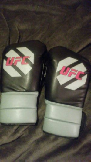 Ufc boxing gloves for Sale in North Bend, WA