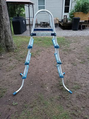 Pool ladder for Sale in Monroe, MI