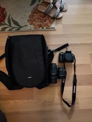 Canon rebel t6 with vivitar bag and extra lense for Sale in Perth Amboy, NJ