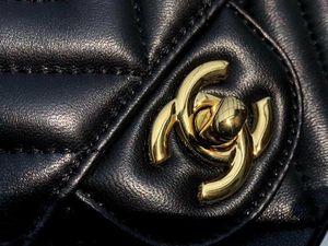 Chanel flap bag in lambskin leather for Sale in Orange, CA