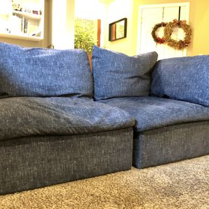 Sectional Couch for Sale in Olympia, WA