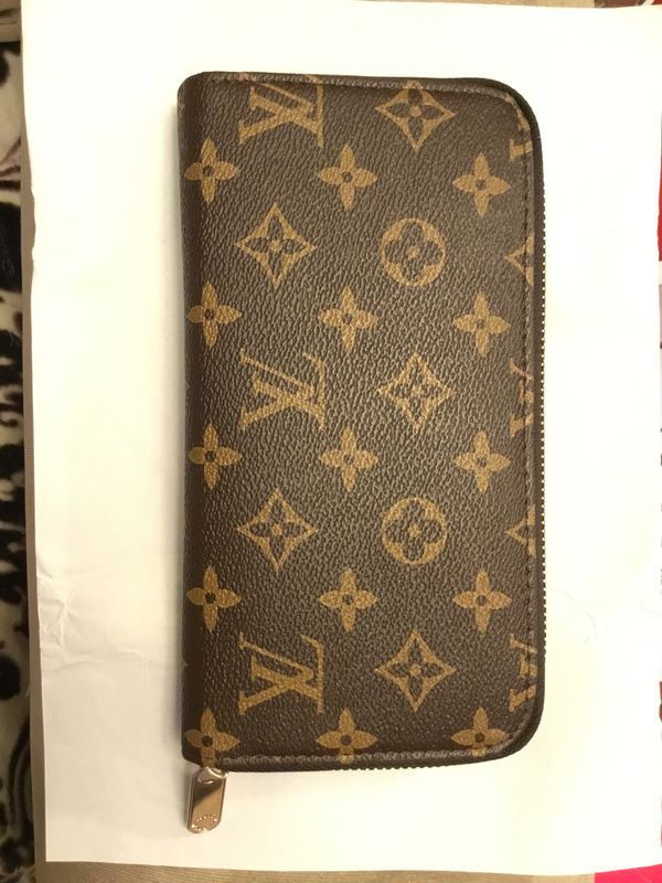 Women's wallet (brand new)