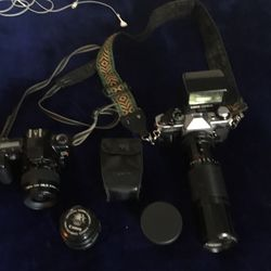 Old School Camera And Long Lens for Sale in Philadelphia,  PA