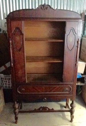 """Antique China Cabinet with original glass door. Beautiful piece!! Measures: """"68""""H (front) x 15 1/2"""" W & 36 1/2"""" L for Sale in Highlands Ranch, CO"""