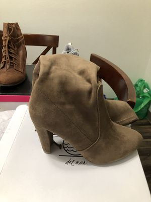 Thigh high boots size 8 1/2 for Sale in Gladstone, OR