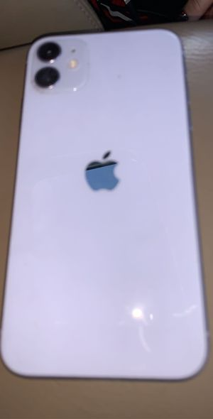iPhone 11 128gb for Sale in Lawrence, MA