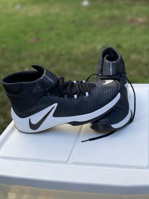 NIKE Clearout shoes size 11.5 for Sale in Renton, WA