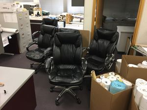 5 high quality office chairs in need of re upholstery for Sale in Fresno, CA