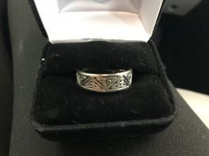 14k White Gold Men's Wedding Ring Size 9 for Sale in Paso Robles, CA