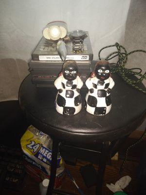 Salt and pepper shakers $10 for Sale in Cedar Rapids, IA