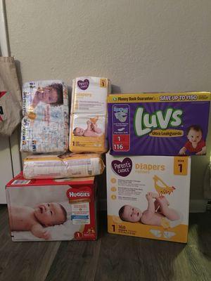 huggies luvs honest parents choice size 1diapers for Sale in Phoenix, AZ