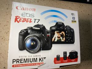 Canon camera (EOS Rebel T7) for Sale in Damascus, OR