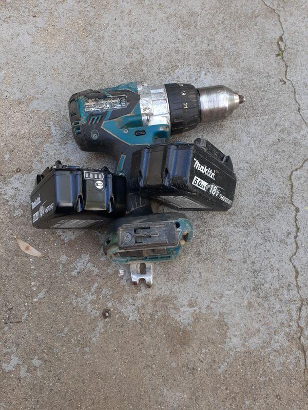 Makita drill and hammer 2 battery