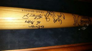 Ken Griffey family signed Baseball Bat. for Sale in Seattle, WA