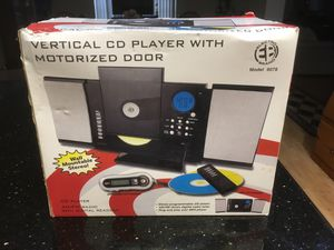 Vertical CD player with motorized door with AM/Fm radio with digital readout perfect for student going to college for Sale in Town 'n' Country, FL