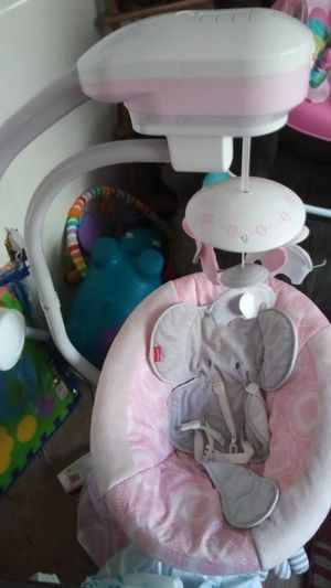 Fisher price baby girl swing for Sale in Winter Haven, FL