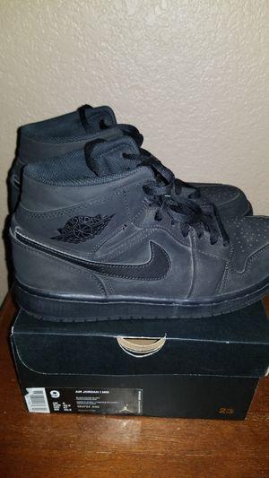 Air Jordan 1 MID size 9 for Sale in Selma, CA