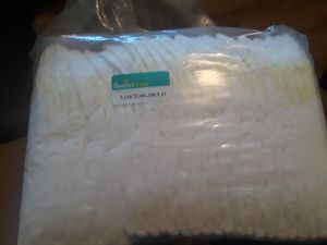 Pamper baby diapers size 1. 33 count. $10 and one Huggies baby wipe for Sale in Phoenix, AZ