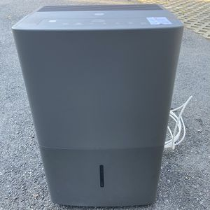 GE 45 Pt Dehumidifier With Pump for Sale in Medford, MA