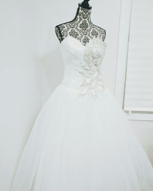 New wedding dress for Sale in Bolingbrook, IL