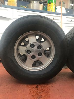 🌟 Set of (4) Chevrolet 5-Lug Rims with Tires 🌟 MAKE AN OFFER 🌟 for Sale in Miami, FL