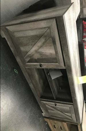 Brand 🆕️          🍒  Best Offer  🍒      Wynnlow Gray LG TV Stand | W440-68 for Sale in West Laurel, MD