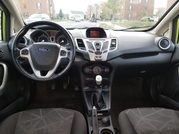 2011 Ford Fiesta ** 149k miles ** 5 Speed manual ** MOVING MUST SALE TODAY