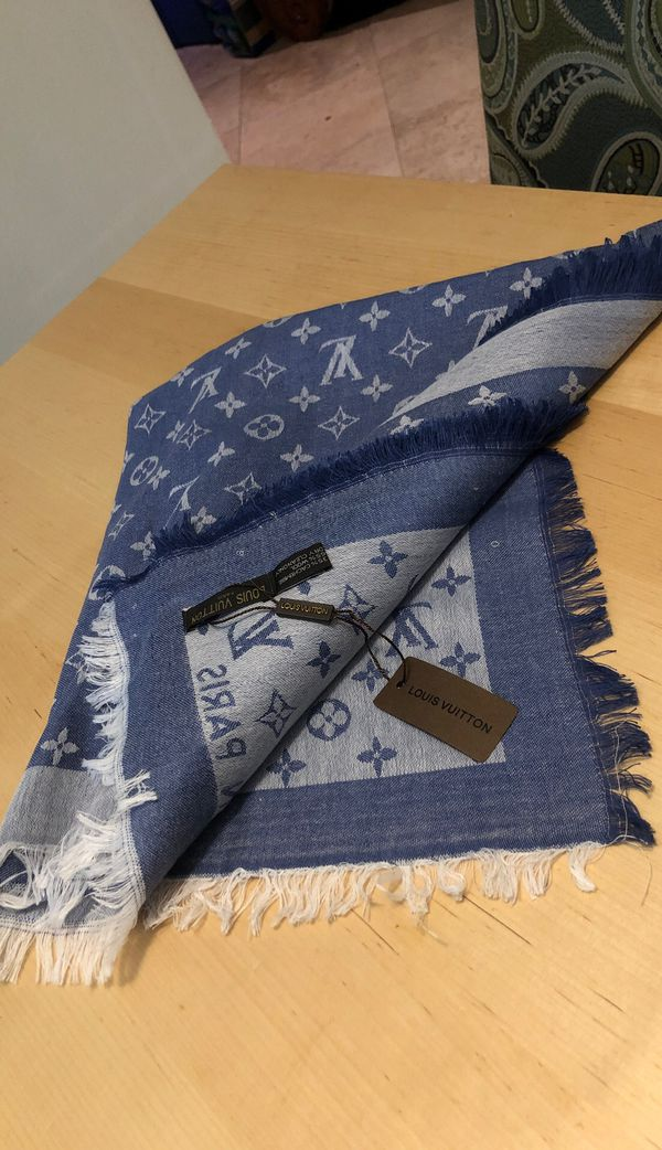 Louis Vuitton shawl / scarf