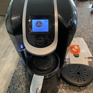 Keurig 2.0 With Carafe for Sale in Manteca, CA