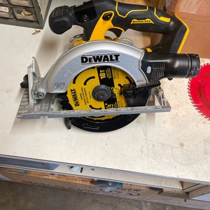 Dewalt 6-1/2 Brushless Circular Saw 20v for Sale in Hanover Park, IL