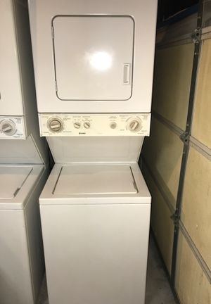 """Kenmore washer and electric dryer 24"""" wide works perfectly for Sale in Corona, CA"""