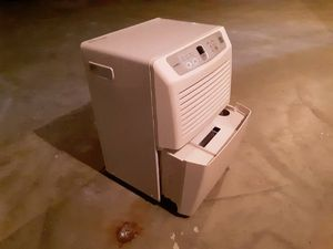 Gold star refurbished dehumidifier for Sale in Peoria, IL