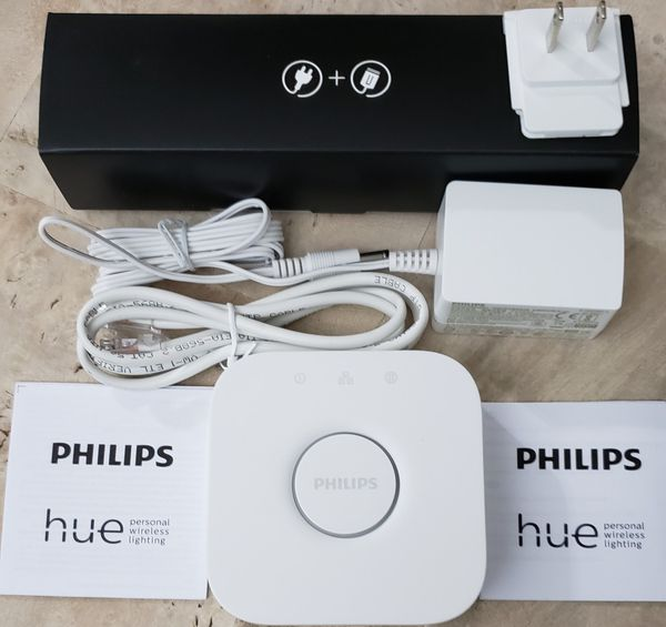 BRAND NEW PHILIPS HUE HUB - NEWEST GENERATION. HUE WHITE & COLOR COMPATIBLE. HANDLES UP TO 50 LIGHTS