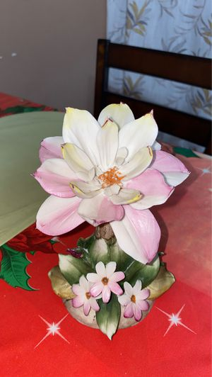Capodimonte flower for Sale in San Diego, CA